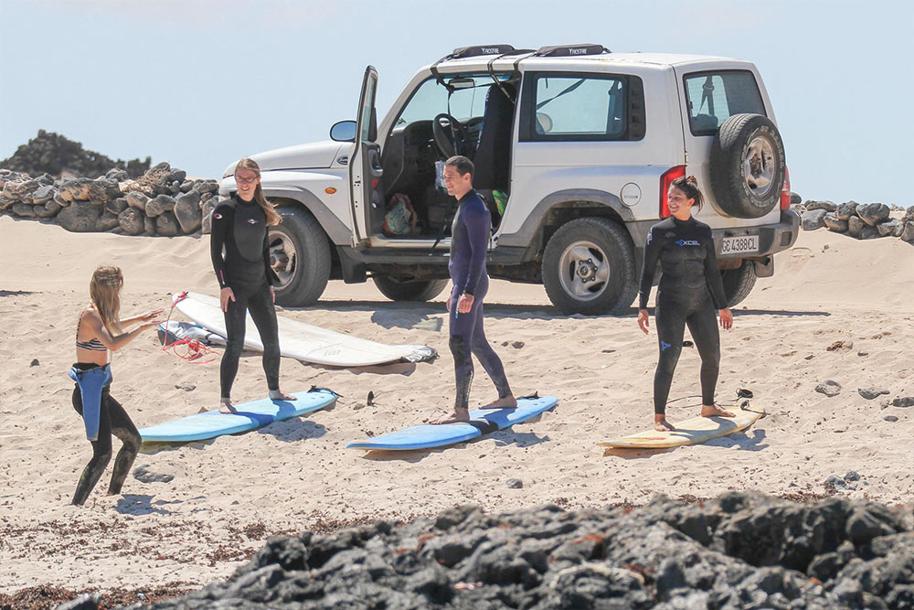Private surfing lessons in Cornwall. Best surf school in Cornwall